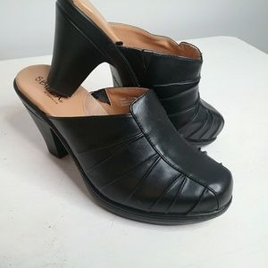 Sbicca Black Leather Leather Mules Size 7W